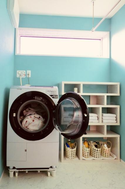 忙しい家庭にあったら嬉しい空間No.1は・・・ランドリールーム(洗濯室)!